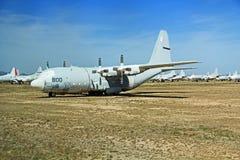 Avión de transporte en el aire y el museo espacial de Pima Imágenes de archivo libres de regalías