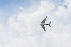 Avión del avión de pasajeros, mosca Fotos de archivo libres de regalías