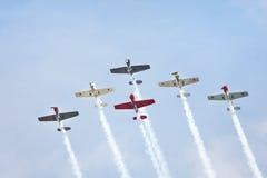 Aviões Aerobatic no airshow Fotografia de Stock Royalty Free