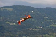 Aviões - Aircraft modelo - acrobacias da baixa asa Fotos de Stock