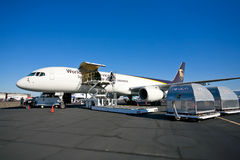 Aviões da carga do UPS de Boeing 757-24APF Fotos de Stock Royalty Free