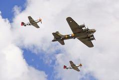 Aviões da segunda guerra mundial - lutadores e bombardeiro foto de stock royalty free