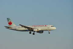 Aviões de Air Canada sobre RELAXADO Imagem de Stock