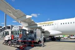 Aviões de Airbus A321-200 de Lufthansa, que foi nomeado o ` de Fanhansa Mannschaftsflieger do ` Foto de Stock