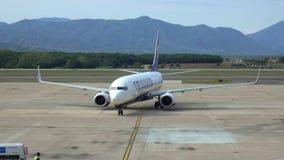 Aviões de baixo Fares Airline Ryanair irlandês vídeos de arquivo