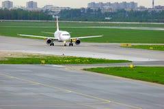 Aviões de Czech Airlines Airbus A319-112 no aeroporto internacional de Pulkovo em St Petersburg, Rússia Fotografia de Stock