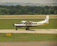 Aviões de D-Falk na pista de decolagem Fotos de Stock Royalty Free