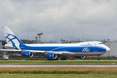 Aviões de jato da carga de Boeing 747-8F Imagens de Stock Royalty Free