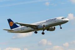 Aviões de jato de Airbus A320 Imagens de Stock