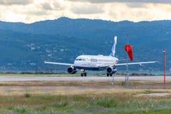 Aviões de JetBlue em Montego Bay fotos de stock