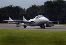 Aviões de lutador adiantados do jato do assento gêmeo e único do vampiro de DeHavilland Foto de Stock Royalty Free