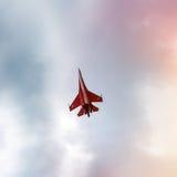 Aviões de lutador do russo no céu nebuloso Imagens de Stock