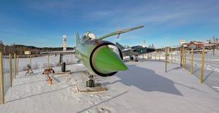 Aviões de lutador MiG-21bis e SAAB do jato 35 Draken o dragão Foto de Stock