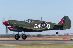 Aviões de lutador VH-ZOC da segunda guerra mundial de Curtiss P-40N Kitty Hawk fotos de stock royalty free