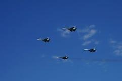 Aviões de lutadores Su-27 no vôo Imagem de Stock
