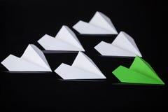 Aviões de papel arranjados junto Imagem de Stock Royalty Free
