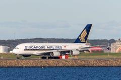 Aviões de Singapore Airlines Airbus A380 em Sydney Airport Fotos de Stock