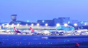 Aviões do aeroporto de Miami Iternational  Imagem de Stock