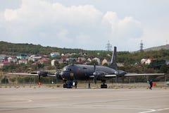 Aviões Ilyushin Il-38 em uma área de exposição Fotografia de Stock Royalty Free