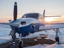 Aviões leves em um aeródromo privado imagem de stock