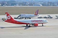 Aviões no taxiway 2 Imagens de Stock