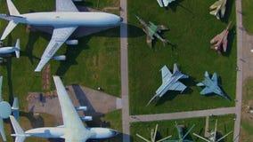 Aviões velhos no museu da aviação em Kiev filme