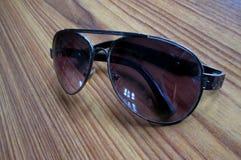 Aviador Sunglasses del color de Champán imagen de archivo