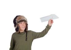 Aviador Young que juega con un aeroplano de papel Imagen de archivo