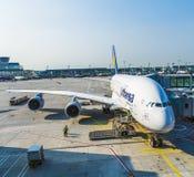 Aviões prontos para embarcar Imagens de Stock Royalty Free