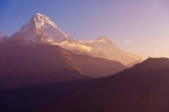 AView της αιχμής Annapurna και Machapuchare στην ανατολή από το Hill Poon, Νεπάλ Στοκ φωτογραφίες με δικαίωμα ελεύθερης χρήσης