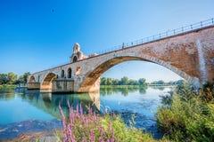Avignon gammal bro i Provence, Frankrike royaltyfri bild