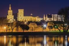 Avignon på natten. Arkivbilder
