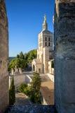 Avignon - Palais des Papes Påveslott i Avignon i en härlig sommardag, franc fotografering för bildbyråer