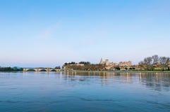 Avignon vom anderen Ufer der Rhones, Frankreich lizenzfreie stockbilder
