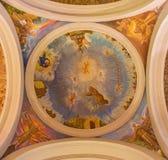 AVILA, ΙΣΠΑΝΙΑ, 2016: Η νωπογραφία του ST Francis και των φραντσησθανών Αγίων στο θόλο από 20 σεντ στην εκκλησία Convento San Ant Στοκ φωτογραφία με δικαίωμα ελεύθερης χρήσης