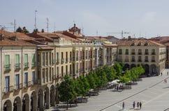 Avila, Espanha - 23 de agosto de 2012: Vista das construções na plaza Sant imagens de stock royalty free