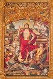 AVILA, ESPANHA, 2016: O paintig da ressurreição no altar principal de Catedral de Cristo Salvador por Pedro Berruguete fotografia de stock