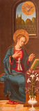 AVILA, ESPANHA: Virgem Maria - parte do aviso - pintura na madeira como a porta esquerda do tríptico em Catedral de Cristo Salvad Imagem de Stock