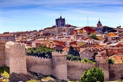Avila-Schloss ummauert alte mittelalterliche Stadt-Stadtbild-Olivenölseife Spanien Stockbild