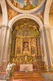 AVILA, SPAGNA, 19 APRILE AL 2016: L'altare principale barrocco in chiesa Convento San Antonio da 18 centesimo Fotografia Stock Libera da Diritti