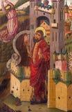 AVILA SPANIEN: Befrielse av St Peter från fängelsemålning i sakristia av Catedral de Cristo Salvador av Cornelius de Holanda Arkivbild