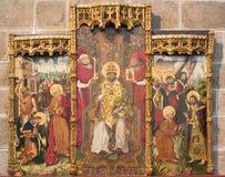 AVILA SPANIEN, 2016: Det gotiska sidoaltaret av St Peter vid Fernando Gallego & x28; 15 cent & x29; i Catedral de Cristo Salvador Royaltyfri Bild