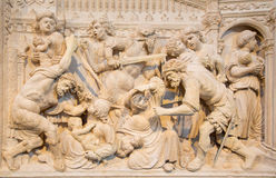 AVILA SPANIEN: Lättnad av massakern av oskyldigen på renässanstranschoiralaten i Catedral de Cristo Salvador Royaltyfri Fotografi
