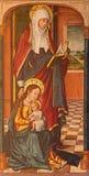 AVILA SPANIEN, 2016: Målningen av det gotiska altaret för helgonkinghtsida i Catedral de Cristo Salvador av den okända konstnären Arkivbild