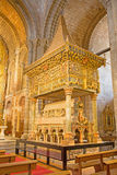 AVILA, SPANJE: De Romaanse polychrome begrafenis herdenkingskerk Basilica DE San Vicente van Cenotafio DE los Santos Hermanos Mar Royalty-vrije Stock Foto's