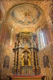 Avila - st laterale barrocco Benedict di OS dell'altare di Nursia nella basilica de San Vicente della chiesa ed in cappella nel ` Fotografie Stock
