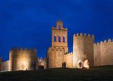 Avilla -在黄昏和jounglers的墙壁 库存照片