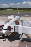 Avion à l'aéroport de Narita, Japon Photo stock