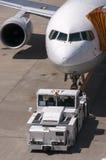 Avion à l'aéroport de Narita, Japon Photos libres de droits