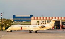 Avion à l'aéroport international de Carthage près de Tunis, Tunisie Images libres de droits